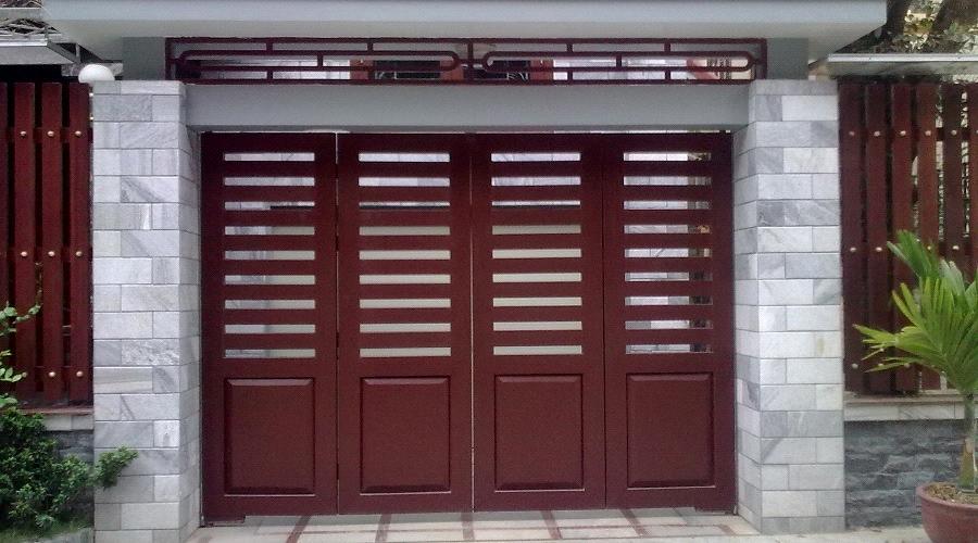 mẫu cửa sắt giả gỗ đẹp 2 - cơ khí trần mười