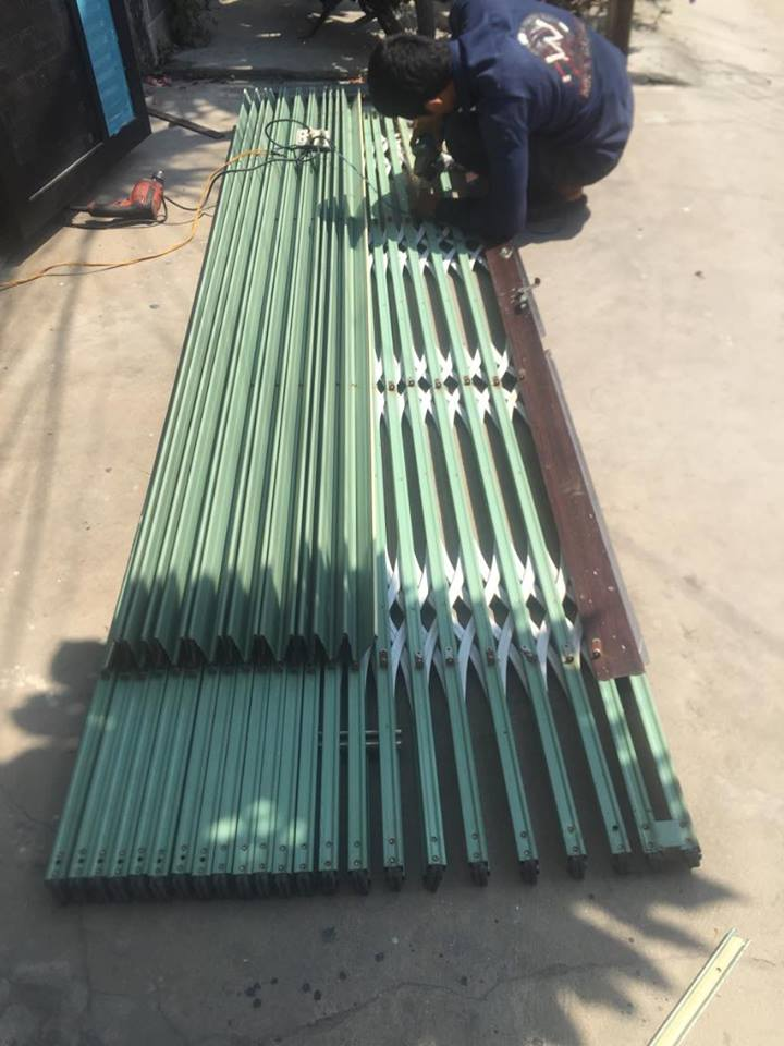Sửa cửa sắt kéo Đài Loan